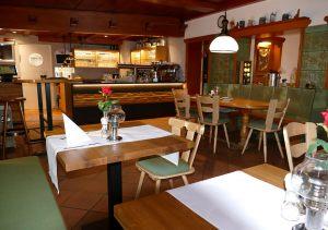 hotel-sternen-bookingcom-restaurant-04