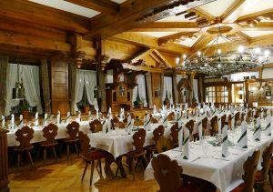 hotel-sternen-bookingcom-restaurant-05