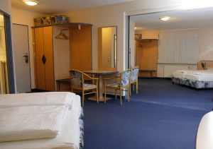 hotel-sternen-bookingcom-zimmer-familiy1-03